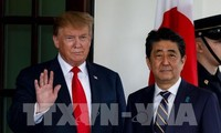 Pemimpin  Jepang dan AS  mengadakan pembicaraan  bilateral