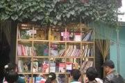 Nguyen Quang Thach: a book beggar
