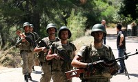 Turkish troops hunt remaining coup plotters