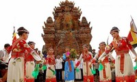Cham's Kate festival opens