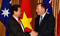 PMs of Vietnam and Australia make phone call