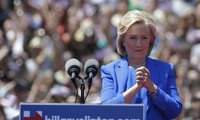 Hillary Clinton launches 2016 election campaign