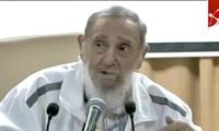 Vietnamese artist gives Cuban embassy portrait of Fidel Castro