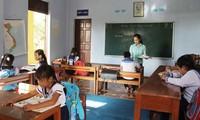 Warm feelings between teachers & students in Truong Sa archipelago