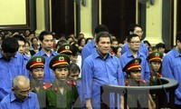 Deputy PM Phuc: anti-corruption requires high determination