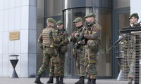 Belgian judge orders 6 terrorist suspects held for another month