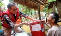 OVs make donations to help flood victims in central region