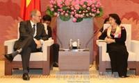 阮氏金银会见瑞典和丹麦驻越大使