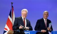 """Brexit: Barnier exhorte Londres à négocier """"sérieusement"""""""