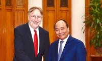 Nguyen Xuan Phuc déroule le tapis rouge aux investisseurs internationaux