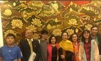 Exposition d'art bouddhique contemporain à Hanoï