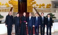 Le sous-secrétaire du Vatican pour les relations avec les États visite le Vietnam