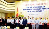 Nguyên Xuân Phuc salue le rôle de la presse dans l'édification et la défense nationales