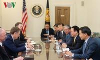 Les États-Unis et le Vietnam intensifient leurs coopérations dans le commerce et l'investissement
