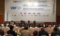 Forum d'affaires du Vietnam de mi-mandat 2018