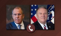 Sergueï Lavrov et Mike Pompeo discutent du sommet entre Vladimir Poutine et Donald Trump
