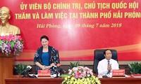 La présidente de l'AN en visite à Hai Phong
