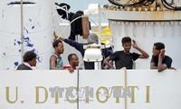 Les migrants du « Diciotti », bateau bloqué cinq jours à Catane, enfin autorisés à débarquer