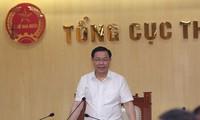 Vuong Dinh Huê travaille avec l'Administration fiscale