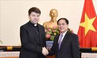 Le représentant pontifical non résident du Vatican en visite au Vietnam