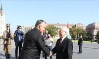 Relations Vietnam-Hongrie portées au niveau de partenariat intégral