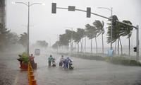 Le typhon Mangkhut frappe la Chine après avoir dévasté les Philippines
