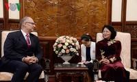 Dang Thi Ngoc Thinh reçoit les ambassadeurs hollandais, belge et danois