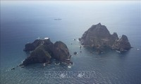 Les parlementaires sud-coréens rendent visite à l'archipel en litige avec le Japon