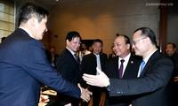Le Premier ministre vietnamien rencontre des entreprises chinoises