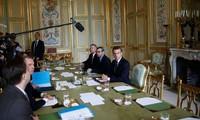 « Gilets jaunes » : Matignon a annoncé un moratoire sur la hausse de la taxe sur les carburants