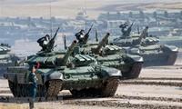 """Avec la Russie et la Chine, Donald Trump veut mettre fin à la course """"incontrôlable"""" aux armements"""