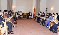 FPAP-27: Nguyên Thi Kim Ngân rencontre son homologue laotienne Pany Yathotou
