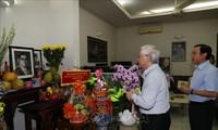 Nguyên Phu Trong rend hommage à l'ancien secrétaire général Nguyên Van Linh