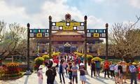 Têt: De nombreux touristes étrangers sont arrivés au Centre du Vietnam