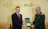 Le Vietnam et la France redynamisent leur coopération défensive