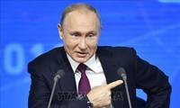 Vladimir Poutine signe le décret prévoyant de suspendre le Traité FNI