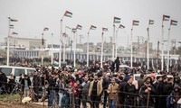 Gaza : manifestations massives à la frontière israélienne, quatre Palestiniens tué