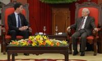 Nguyên Phu Trong reçoit le Premier ministre hollandais