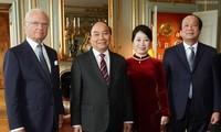 Nguyên Xuân Phuc rencontre le roi de Suède Charles XVI Gustav
