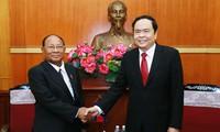 Heng Samrin reçu par Trân Thanh Mân