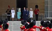 Donald Trump reçu par la reine Elizabeth II