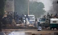 Soudan: La violente dispersion du sit-in fait 30 morts à Khartoum, condamnations internationales