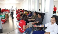 Les jeunes donneurs de sang de Hanoï