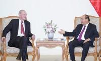 Nguyên Xuân Phuc reçoit l'ancien Premier ministre canadien Jean Chrétien