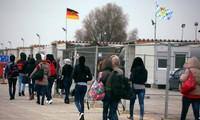 Germany suggests EU ease rules on deporting asylum seekers