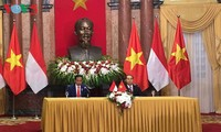 インドネシアと戦略的パートナー関係で共同宣言を発表