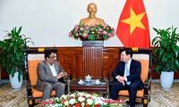 ミン副首相、バングラデシュ外相次官と会見