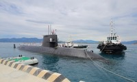 海上自衛艦「くろしお」カムラン湾に寄港