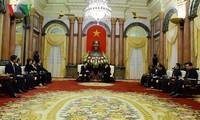 ティン国家主席代行、韓国首相と会見