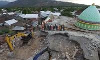 インドネシアの地震に巻き込まれたベトナム人がない